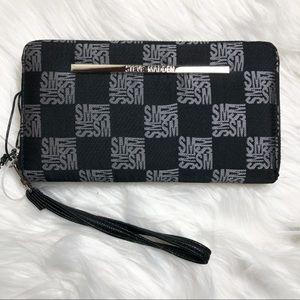 Steve Madden Checkered wallet